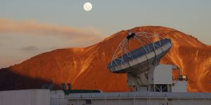 Het Atacama Pathfinder Experiment (APEX) in Chili