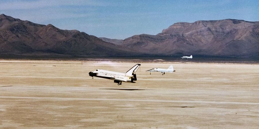 Landing van het ruimteveer Columbia op de White Sands Space Harbor in New Mexico